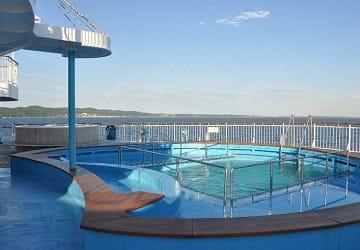 dfds_seaways_pearl_seaways_pool_area