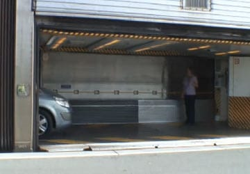 eurotunnel_le_shuttle_doors_open